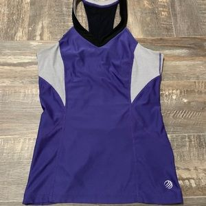 🌻3/20 Nice work out shirt bundle up to save